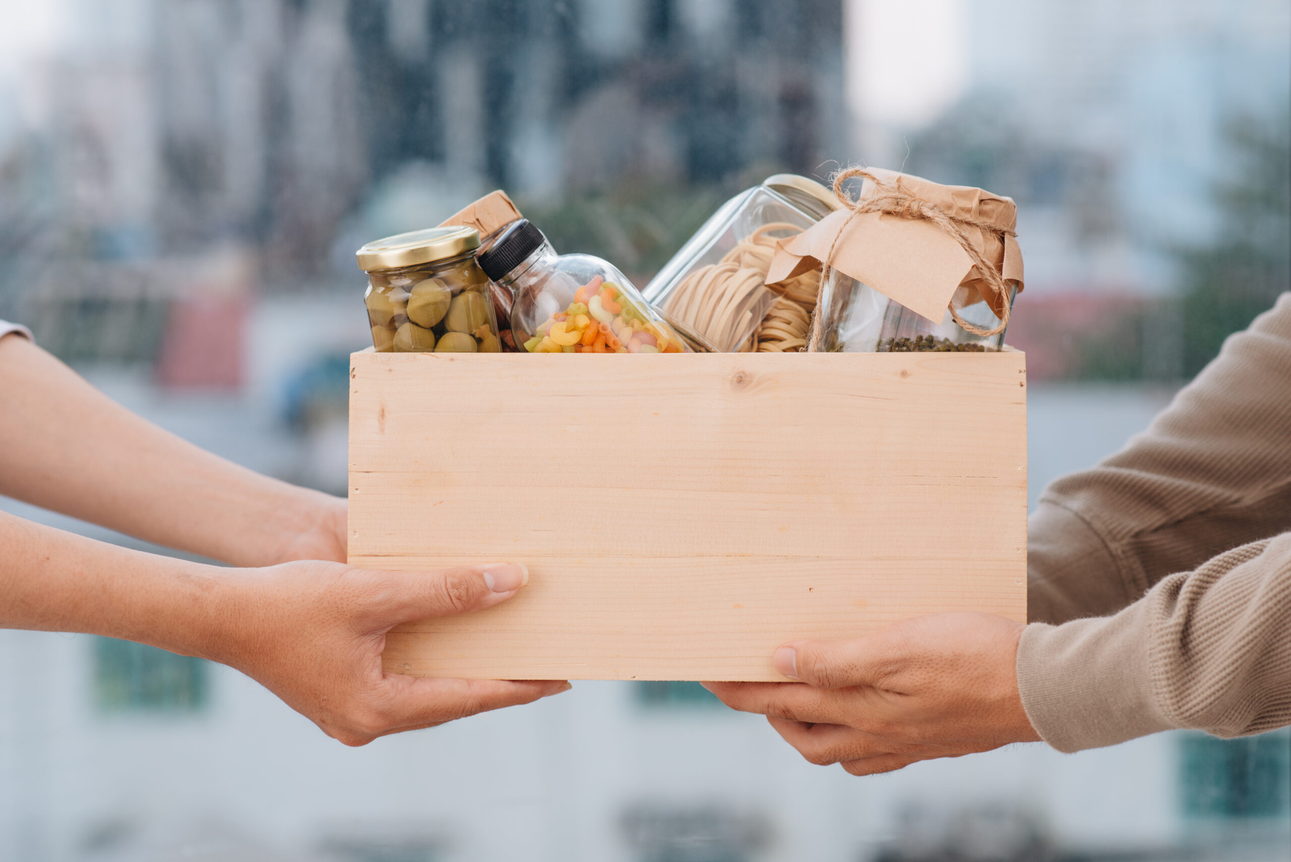 How to get rid of food while moving